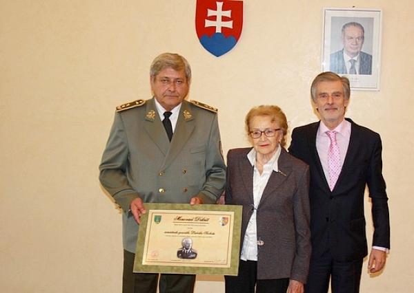 Dekrét čestného člena In memoriam Klubu generálov SR patrí aj armádnemu generálovi Ludvikovi Svobodovi