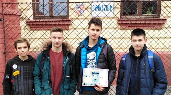 Náboj Junior vyniesol Zocháčov v medzinárodnej matematicko-fyzikálnej súťaži na tretie miesto v kraji