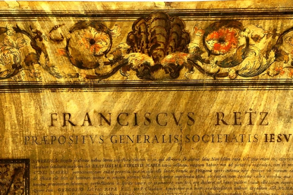 Čerstvo zreštaurovaná listina jezuitského rádu z roku 1739 je predmetom mesiaca apríl