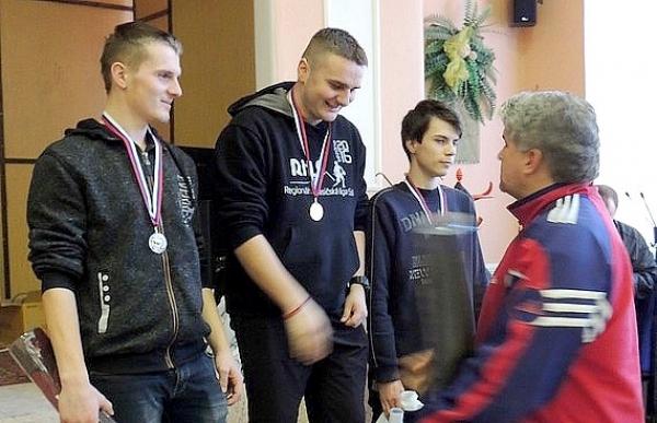Na 6. ročníku stolnotenisového turnaja O putovný pohár starostu obce v Muránskej Dlhej Lúke štartovalo 73 súťažiacich