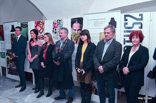 Výstavnú sezónu 2018 v Galérii Baníckeho múzea v Rožňave otvorila medzinárodná tvorivá komunita Rovás s výstavou eNRA