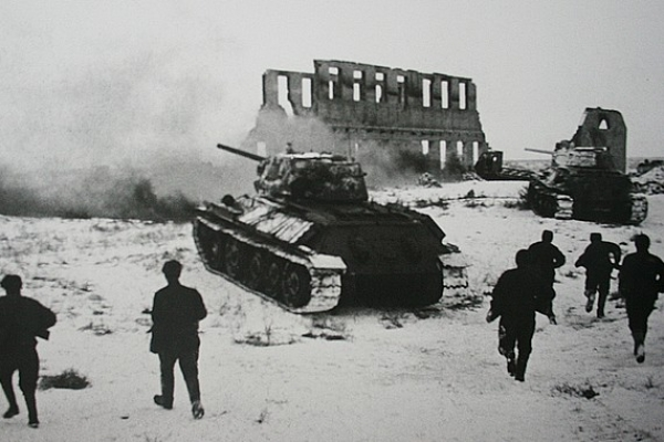 Pripravili výstavu s názvom Od Stalingradu po Berlín