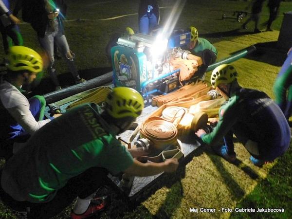 V Kunovej Teplici zorganizovali už 3. ročník nočnej hasičskej súťaže
