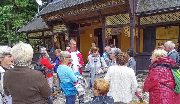 Dôchodcovia z Revúcej prežili krásny deň s priateľmi dôchodcami z Kazincbarciky