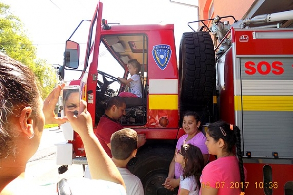 "Deti z Komunitného centra v Jelšave ""nakukli"" do hasičskej zbrojnice"
