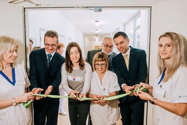 Rožňavská nemocnica slávnostne otvorila nové ambulantné FRO