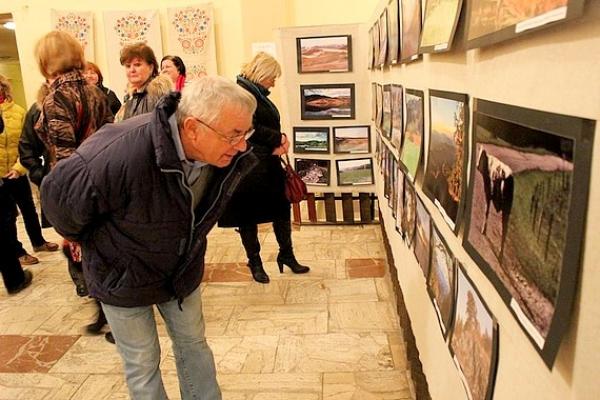 V Klenovci otvorili výstavu fotografií z tohtoročnej súťaže Malohont mojimi očami
