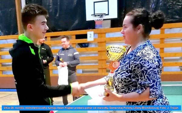Pohár starostky Gemerskej Polomy v stolnom tenise si vybojoval Adam Klajber z Geológu Rožňava