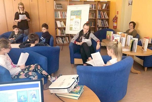 Marec – mesiac kníh v ZŠ J. A. Komenského v znamení spolupráce s mestskou knižnicou