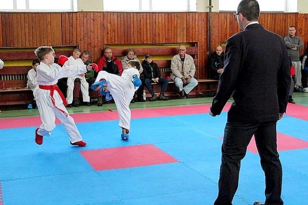 Ôsmy ročník Vianočného turnaja priniesol víťazstvo Karate klubu Revúca