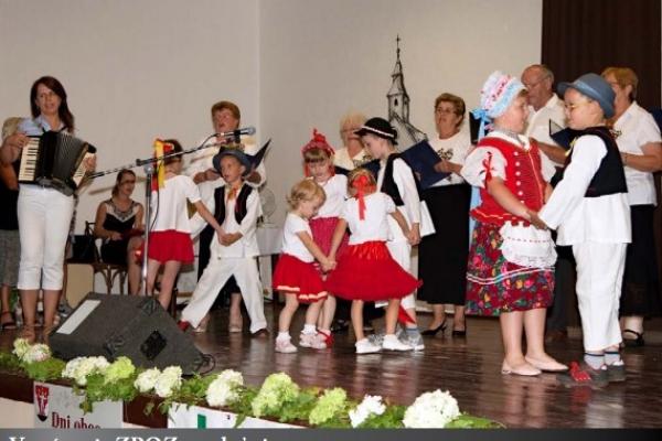 Dôstojná a nezabudnuteľná oslava okrúhleho výročia obce Rakovnica