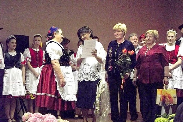 """""""Bystränky"""" z Rožňavského Bystrého pripravili pre svojich priaznivcov program k 30. výročiu založenia folklórnej skupiny"""