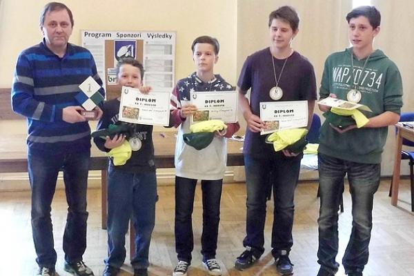 Šachový turnaj žiakov horného Gemera pre ZŠ Zakarpatská Rožňava a Daniela Ďurišku z Kráľa