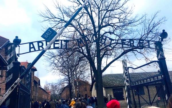 Navštívili bývalé koncentračné tábory - autentické miesta druhej svetovej vojny, ktoré dodnes popierajú základné princípy ľudskosti