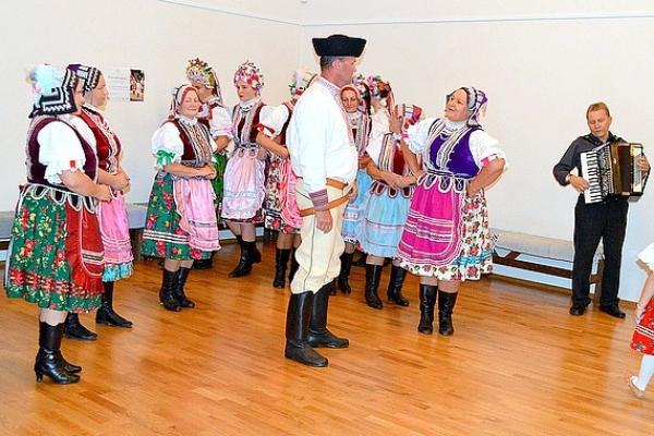 Prvý jesenný folklórny večer v Dome tradičnej kultúry Gemera s folklórnou skupinou Radzim