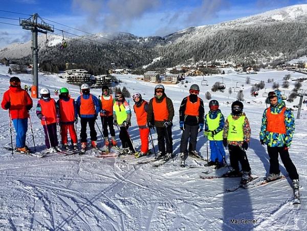 Zocháči na lyžiach stáli - básne písať dokázali