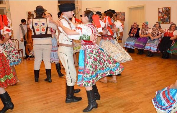 Gemerská hostina s folklórnou skupinou Hrabina z Nižnej Slanej