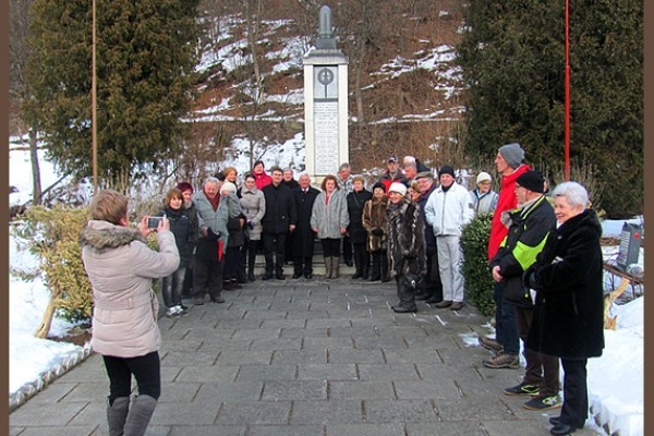 Obyvatelia Utekáča si slávnostne pripomenuli 72. výročie oslobodenia obce