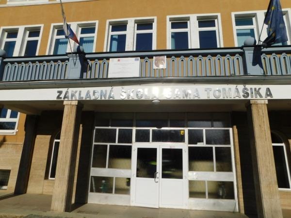 V priestoroch Základnej školy Sama Tomášika s Materskou školou v Lubeníku vznikol požiar