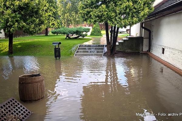Čo spôsobili silné búrky spojené s krúpami v okrese Revúca a na okolí