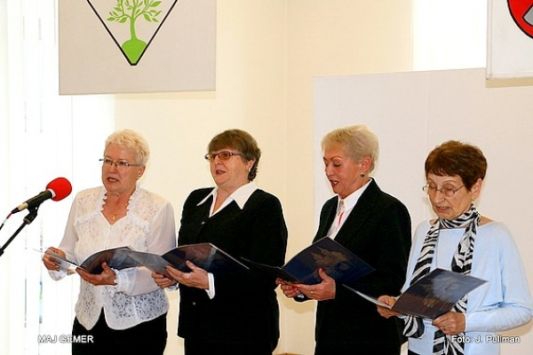 Prvý ročník v prednese poézie, prózy a vlastnej tvorby v Revúcej pod názvom Seniori recitujú