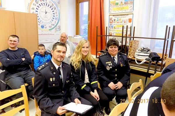 Členovia Dobrovoľného hasičského zboru mesta Jelšava boli na návšteve v Slovenskom Komlóši