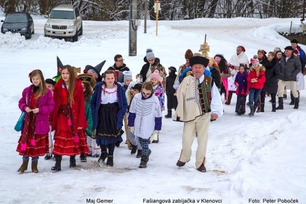Fašiangovými tradíciami je obdarený aj náš gemerský región