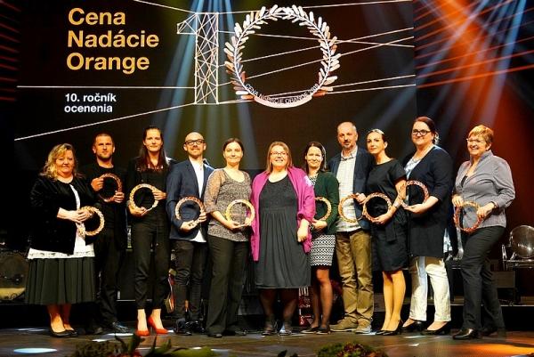 Nadácia Orange ocenila výnimočne desať neziskových organizácií