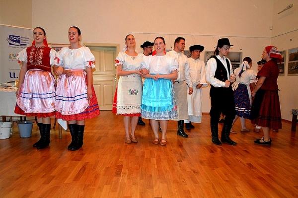 Prvé vyháňanie dobytka na pašu uviedli Genšenky z Honiec v Dome tradičnej kultúry Gemera