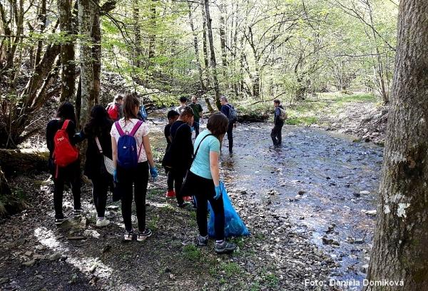 Pri Gruntovačke Gemerčania upratovali turisticky atraktívne miesta