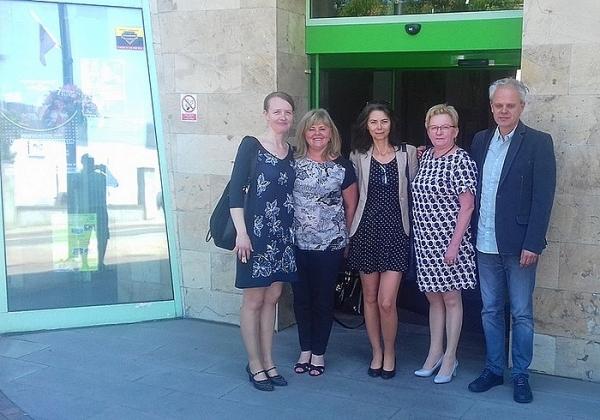 Zástupcovia ZŠ J. A. Komenského  v poľskom partnerskom meste a v partnerskej škole v Ledzinách
